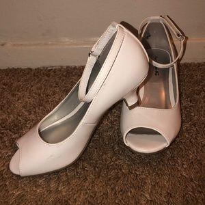 American Eagle Girls Ankle Strap Peep Toe Heels